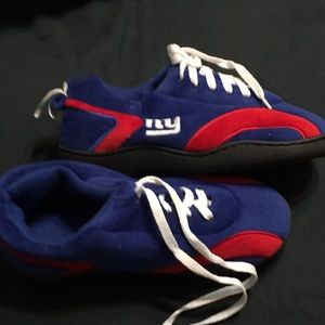 Shoes - NY Giants slippers men sz 5 6 lightly used cool f8709d979243